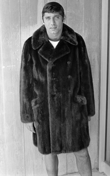 Joe Namath. Keeping the fur coat tradition alive since the '60s. http://t.co/CTie99dETO