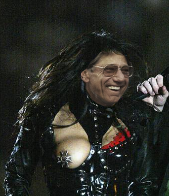 BREAKING -- Joe Namath's #halftime wardrobe mishap: http://t.co/hclOyslexL
