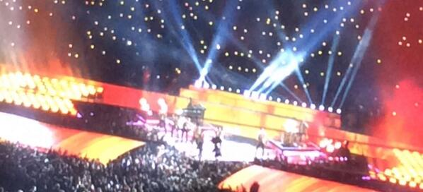 .#BrunoMars is killin' it at halftime of #SuperBowl. #JustTheWayYouAre http://t.co/za1sIQeYM3