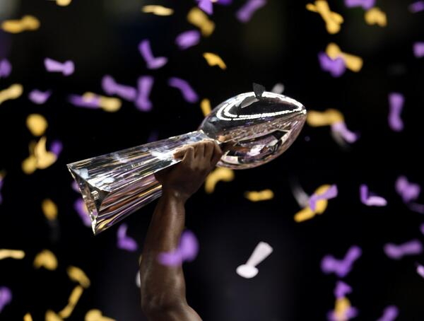 Super Bowl Confetti Made Entirely From Shredded Concussion Studies http://t.co/U3JoOHtB5R #SuperBowl http://t.co/ZcjB8PSte6