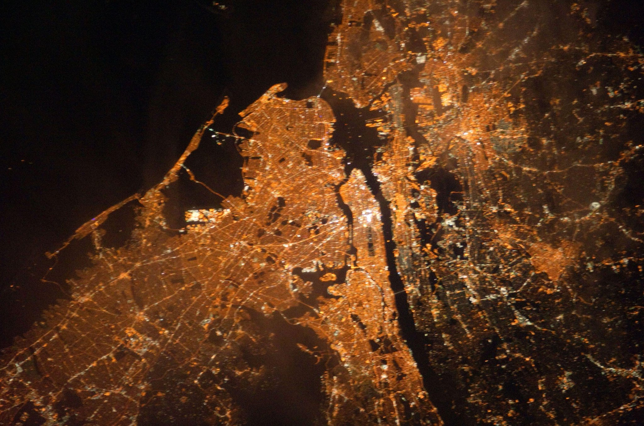 Twitter / PC0101: New York/New Jersey, at night, ...