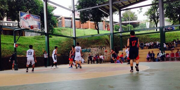 Lomba Basket Festival SMA DWIWARNA 2014