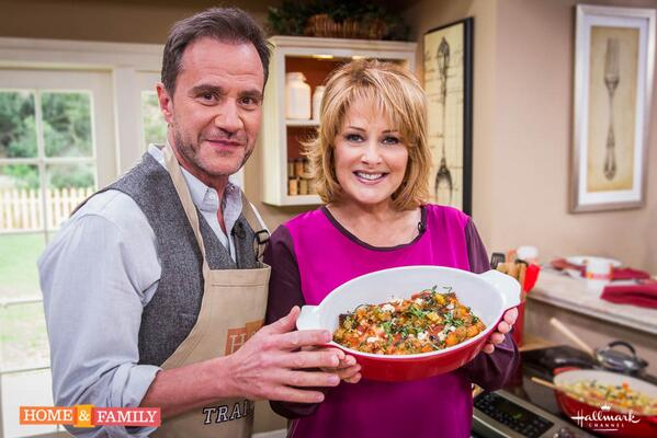 Lucky me, today @TimDeKay joins me in the kitchen & R @homeandfamilytv to talk about @WhiteCollarUSA & much more! http://t.co/mxHWtxug4W