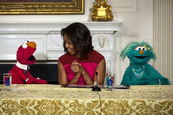 Happy Birthday Elmo! Thanks for your help encouraging kids to eat their fruits and veggies! #SesameStreet, http://t.co/863ayQOtRn
