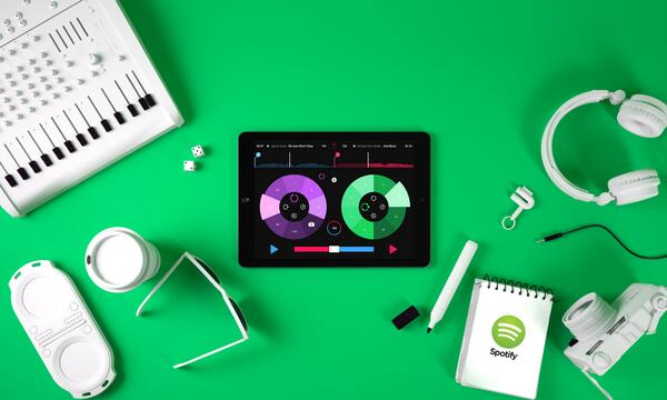 Check out @Pacemaker. The first DJ app to use Spotify's Developer Platform. http://t.co/SpDOiChRCu  #mixeverything http://t.co/rzYCN4lkOD