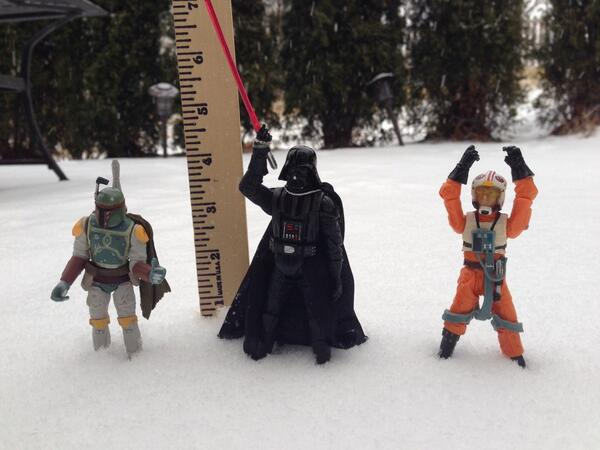 The force is helping me measure the snow today @41ActionNews #StarWars #SnowWars #kcwx http://t.co/r4GpLrFBrS