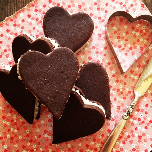 Chewy Paleoleos recipe for Valentine's Day: http://t.co/1SaRaHsRp3 #GF #Paleo #cookies #glutenfree #dairyfree http://t.co/dMgVlVFIfl