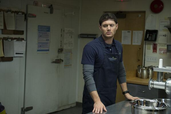 Retweet if you'll be watching what Dean serves up tonight on an all new #Supernatural: http://t.co/yPQJi1sQRq http://t.co/K5X8i0iOck