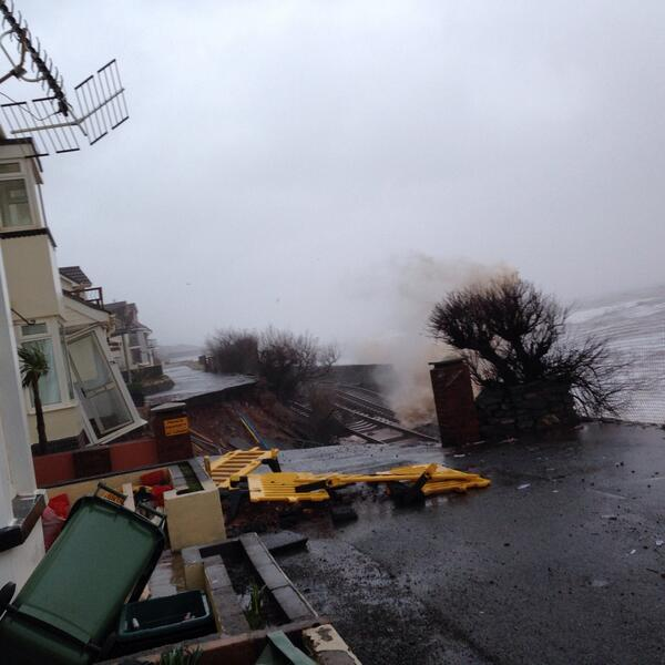 """@sophiepierce: Huge hole in sea wall at Dawlish threatens rail line and houses more http://t.co/mbiAil8vmi"" @philip_antony"
