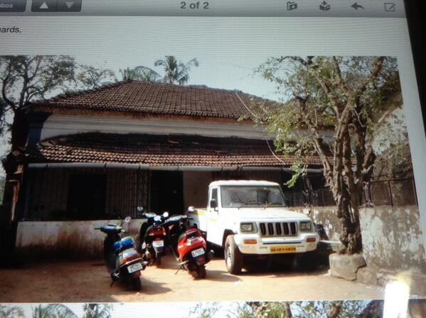 View of house of many years of CM Goa,Manohar Parikker. He recently moved into a 2 Room flat on Home Loan! http://t.co/lGKFmcMZxb