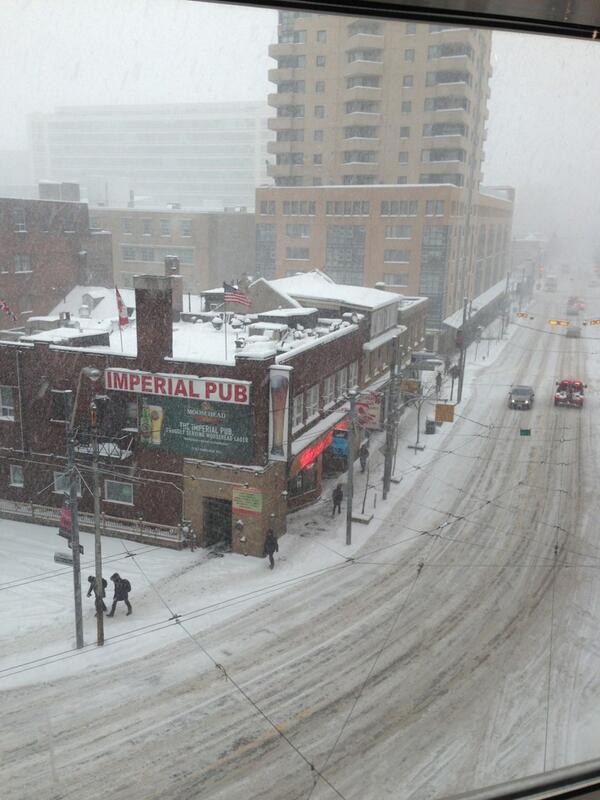 It's coming down in buckets. View from my desk @CityNews #citystorm http://t.co/wuXMQh8CiF