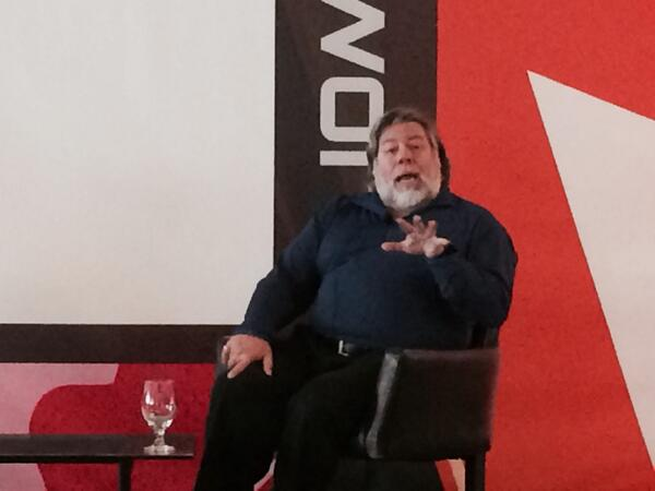 Woz's formula: Happiness=Smiles minus Frowns. Regrets bring about frowns so no need to revisit#APPSWORLD@Apps_World http://t.co/LK99lLofdt