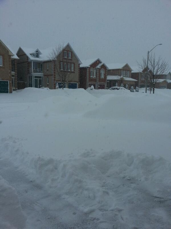 @CityNews trying to dig out in Markham #citywx photos http://t.co/ByENT0TEjm
