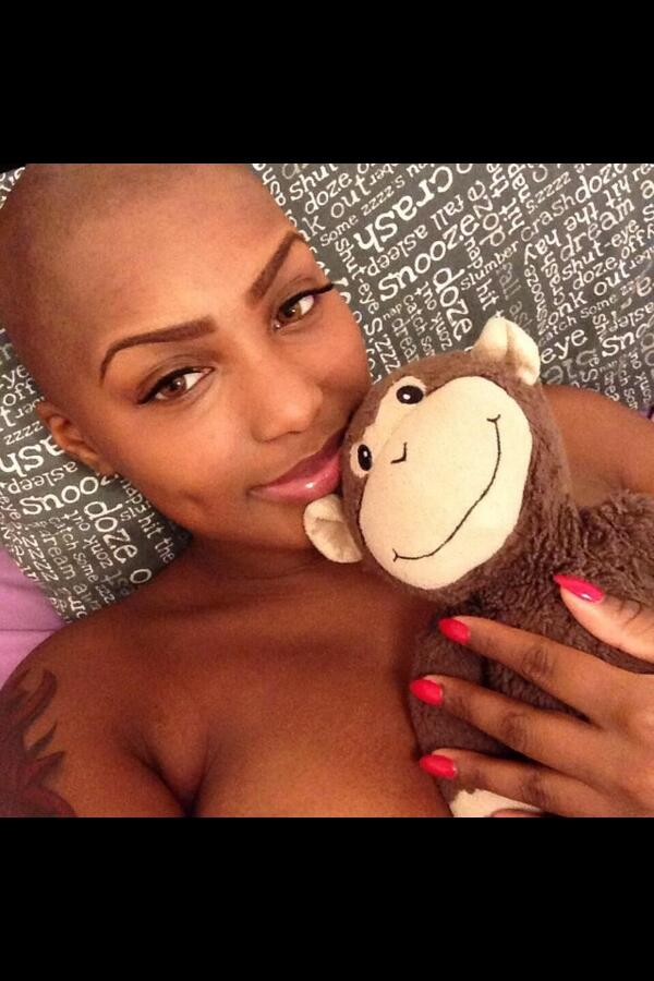 @iAmGIJane RT @PeanutLive215: RT @SammyHilly: Even With Cancer, She's