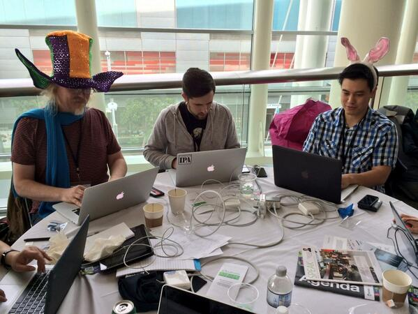 These hackers know how to have a good time! #Tvhackfest #appsworld #hackfest http://t.co/rw0ofHhecB
