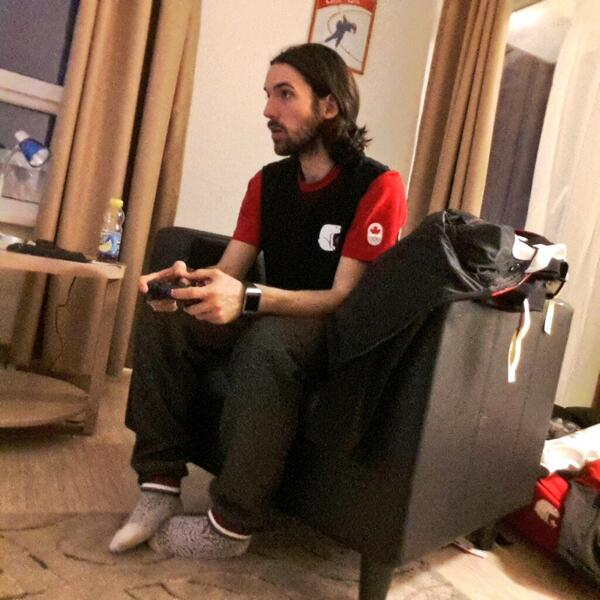 So this is what @Speedskater01 look like gaming. #resting #WeAreWinter #resting #giveyoureverything http://t.co/yoRWqPJlOs