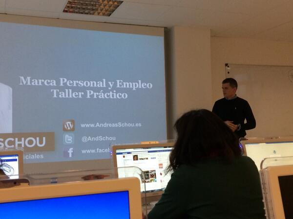 Marca Personal y Empleo. En #clase11 @aulaCM con @andschou. Uno de los temas que me interesa mucho ;) http://t.co/HR95lVxfF7