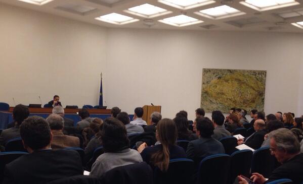 #meetstartup: per un'amministrazione aperta, trasparente che si confronta @PONREC @siboc http://t.co/gxWJhTZMc1