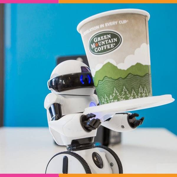 A 7-inch tall mini robot called MiP by WowWee can become your new best friend  via http://t.co/ozQosjpMfl http://t.co/nvZBWiaqzN