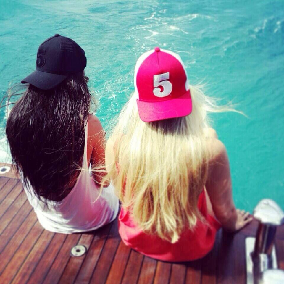Flying the #5cap flag in StBarths, French West Indies, @alyshapaulsen & @jessparish27 Where else r they #GlobalReach http://t.co/f0QBK3xulx