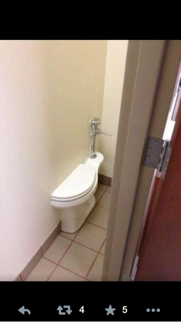 Of all of the #SochiProblems pictures, this one is absolutely my favorite. http://t.co/pVQtDsCyCT