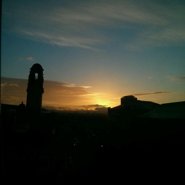 Witnessing sunrise is something extraordinary, amazing and beautiful #manchester #tgifriday #tgif   #sunrise #weekend http://t.co/MHIVLVYwis