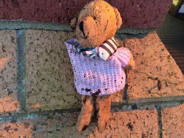 Oh no! We found this chap on the wall outside our studios this morning. Can you help find their owner? @lostteddybear http://t.co/Y1MGsHdOkw
