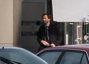 Photo by from @tysonelder on Twitter of David Tennant filming Gracepoint