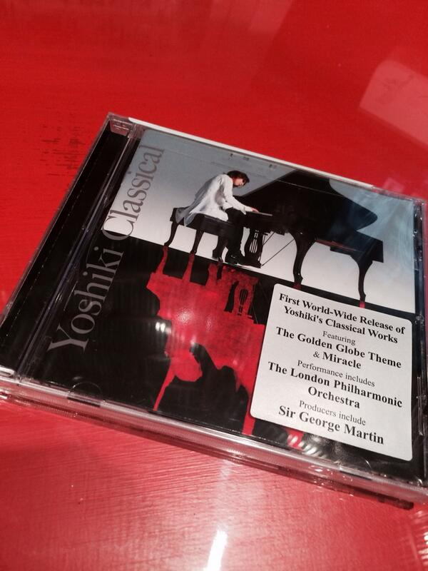 @YoshikiOfficial I *had* to buy this after hearing you in Vegas. Excellent. http://t.co/gfR0akTzyj