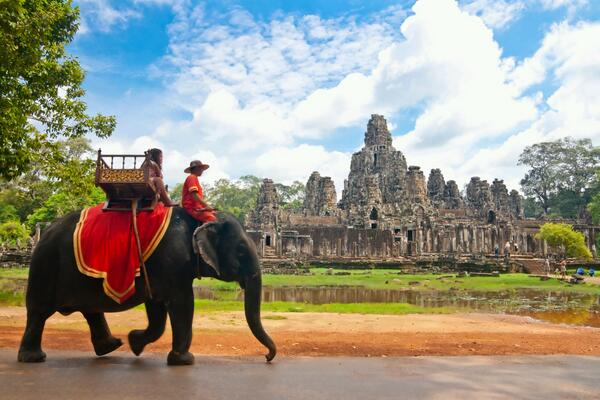 With only one stop from #Stockholm, your reach over 146 #destinations in #China and #Asia! For example #cambodia http://t.co/s606cgnSst