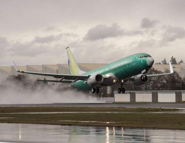 Gisteren maakte onze nieuwe Boeing 737 zijn eerste vlucht. 4 maart verwachten wij hem op Schiphol . http://t.co/QcacUlbGzz