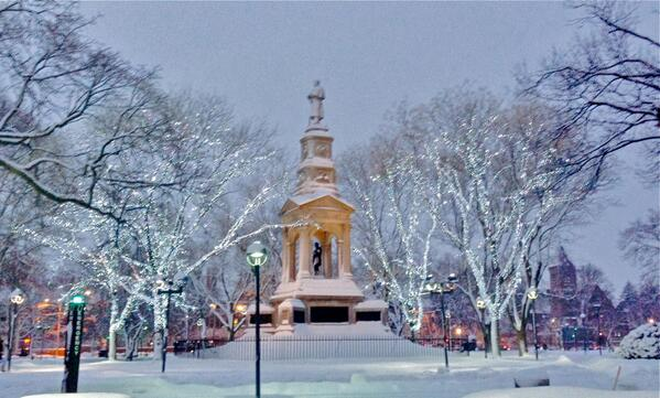 Cambridge Common / Harvard Square aglow in lights at twilight last evening. Photo by @MariamSherzad . http://t.co/By350INSRz