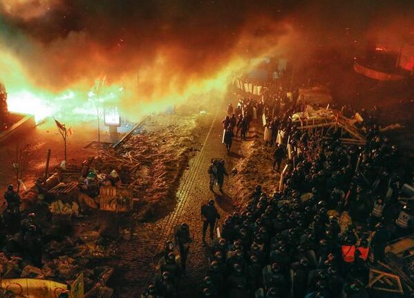 This is one of the most apocalyptic photos I've ever seen in the news. From Kiev. http://t.co/4hbDy1wlYT http://t.co/ZQeMO2yyYe