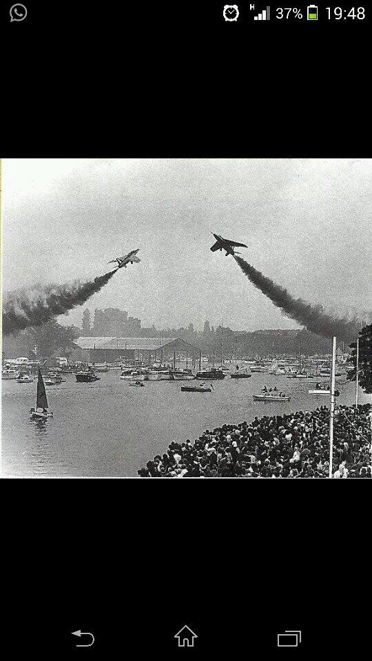 This pic is a keeper RT @Aidyconolly Found this pic of red arrows in Lowestoft in 60's..Amazing seeing them so close http://t.co/F8u7lindcc