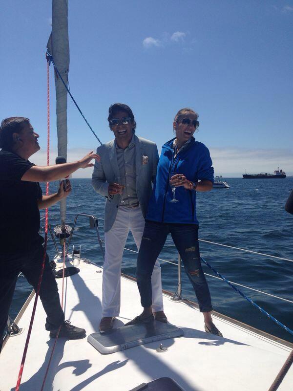 """""""@elfestival: @RafaAraneda y @CarolinaDeMoras son entrevistados sobre un yate en la bahía de Valparaíso. #Viña2014 http://t.co/NTXpIJeHdg"""""""