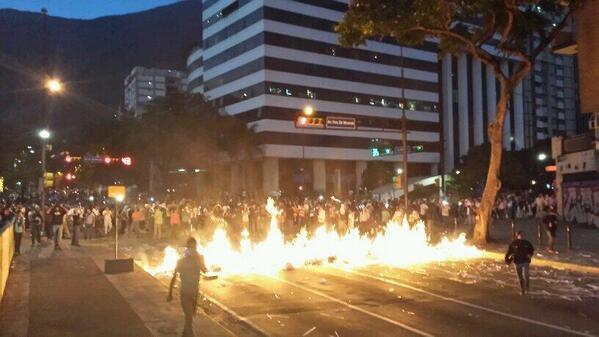 """""""Revolucion"""" au Venezuela ? Bg31wkgCQAAe_6_"""