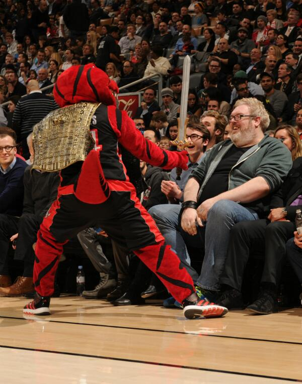 #RTZ Photo: Stripes no match for @IsaacBranFlakes (Bran Stark) & @KristianNairn (Hodor!) from #GameofThrones http://t.co/9PakWnT52Y