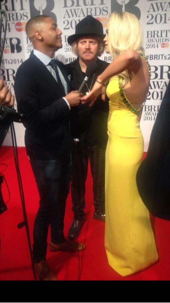 I tell ya what though @RitaOra looked good too. Like silk! Really nice she was http://t.co/YYs2ErSeY4