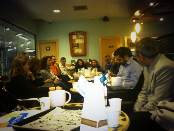 #MAMOOCAFé ahora con presentación de los participantes. http://t.co/43oliyAfna
