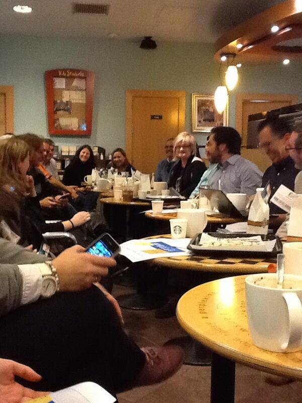En el #mamoocafe como sardinillas en lata! http://t.co/E9FWGgefeF