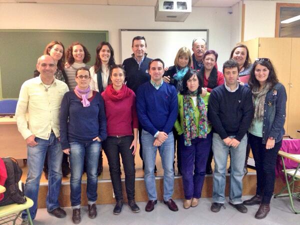 RT @AnaOtrj: Foto de familia #MOOCafé #MOOCafeMalaga una gran experiencia http://t.co/biAKgw2jPF