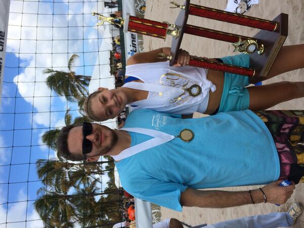 WINNERS. @GiGiHadid and I  take the gold. #spikedwithsi http://t.co/uDd82waaYL