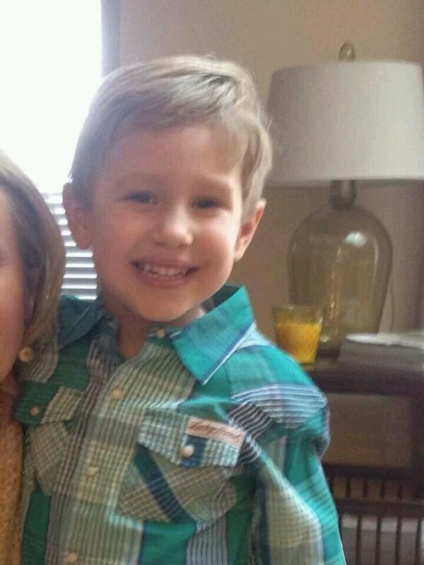 AMBER ALERT , Park Ridge Il picture of boy http://t.co/GZnfArbaWd