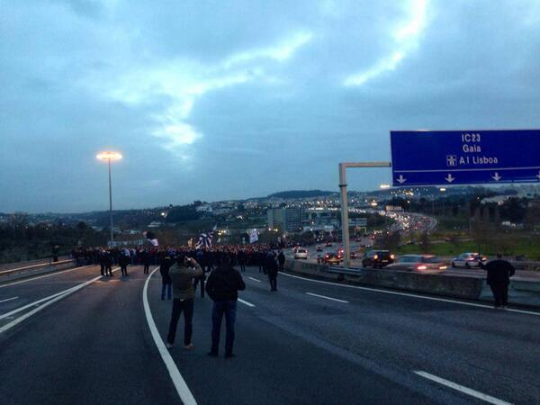 7,000 Eintracht Frankfurt fans made their way to Porto game by marching down the motorway