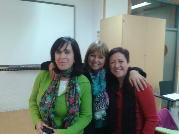 #MOOCaféMalaga Con mis amigas de Proyectos desvirtualizadas en el MOOCafé http://t.co/KKGgkBpKSV