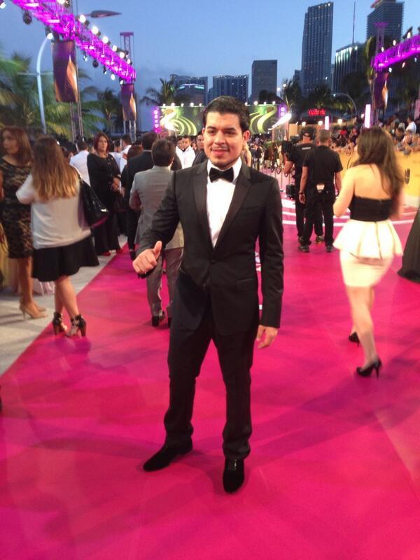 @jnoeltorres @premiolonuestro #PremiosLoNuestro #MejorVestido #PremioMV  #NoelTorresPL #PremiosLoNuestro2014 #RT http://t.co/HQeLQxFwbp