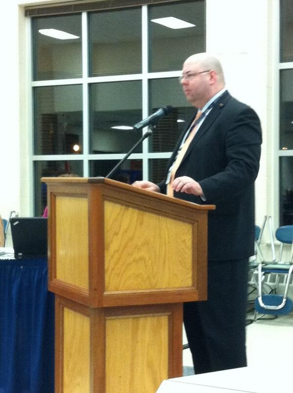 #Pottstown HS principal Jeffrey Hartmann outlines courses may be offered next year, including robotics, astronomy. http://t.co/5WSMwosiGb