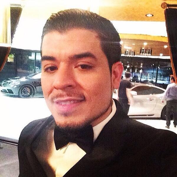 @jnoeltorres @premiolonuestro #PremiosLoNuestro #MejorVestido #PremioMV  #NoelTorresPL #PremiosLoNuestro2014 2 http://t.co/4NUsbaHzYX