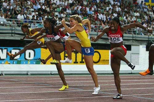 """@ObserverShaun: @perditafelicien found this hilarious picture of you #hurdlesremoved  & @Sannakallur !"