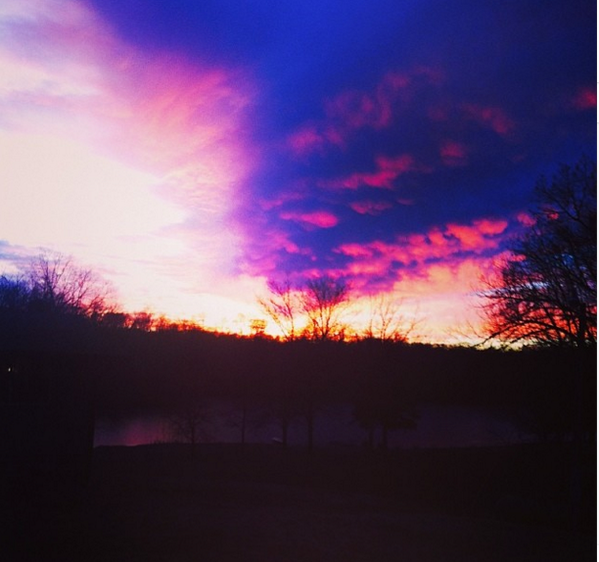 one of my favorite places off campus is my lake house, you will never see a sunset more beautiful #SLUvLU http://t.co/n8vZbwmnIy